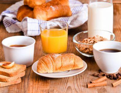 desayuno en complejo de cabañas tunquelen
