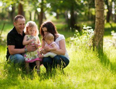 familia en el bosque de mar de las pampas