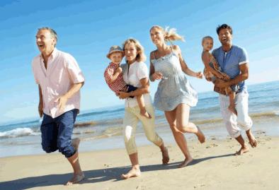 familia en la playa de mar de las pampas